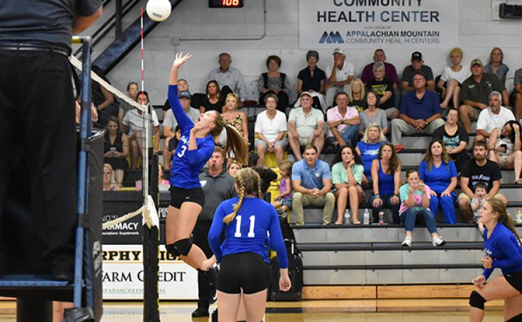 Hiwassee Dam's Chloe Roe looks to make a play at the net during a match against Murphy on Sept. 17.