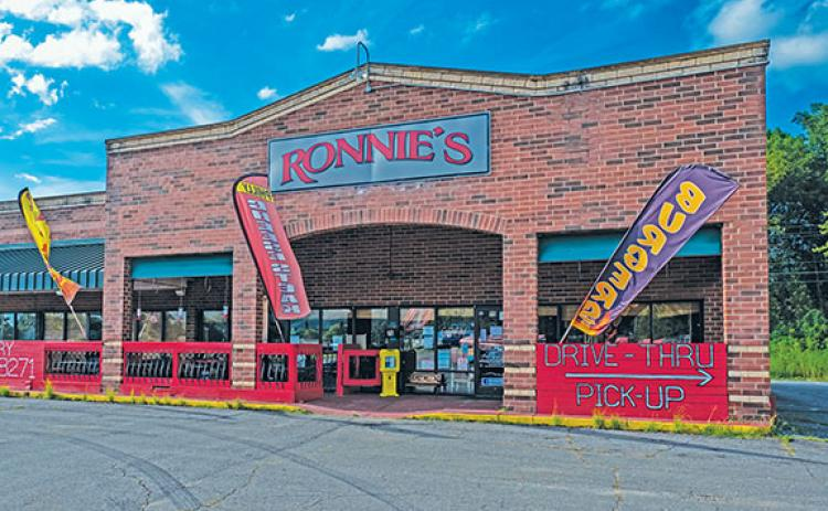 Ronnie's Restaurant in Andrews is one of several local businesses affected by the governor's order banning alcohol sales after 11 p.m.